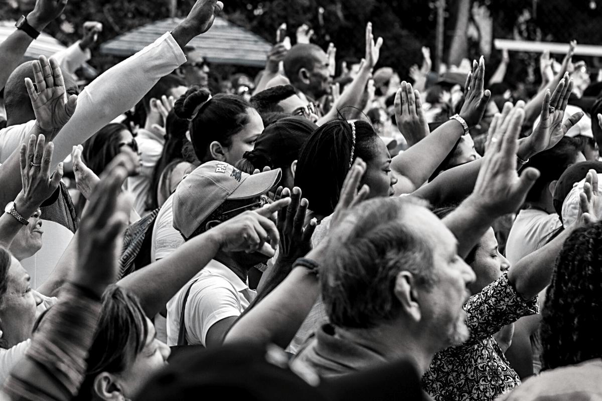 מפוליטיקה לשייוק: להיות בקשר עם הקהל